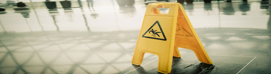 wet floor sign to prevent accidents