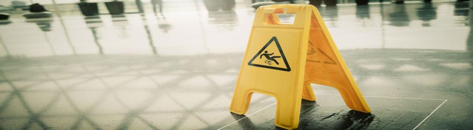 wet floor sign to prevent accidents